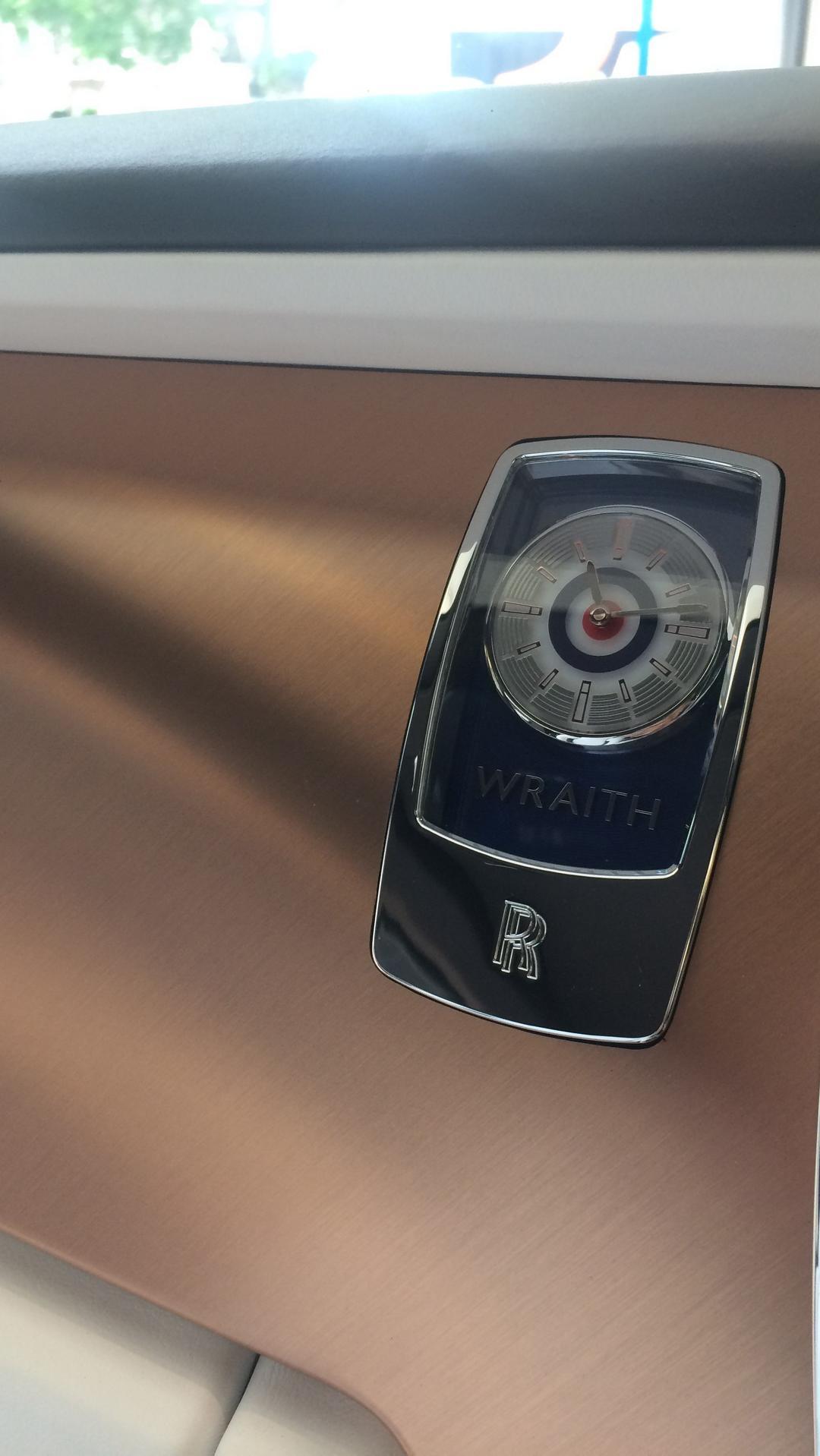 Rolls-Royce_Wraith_by_Roger_Daltrey_03