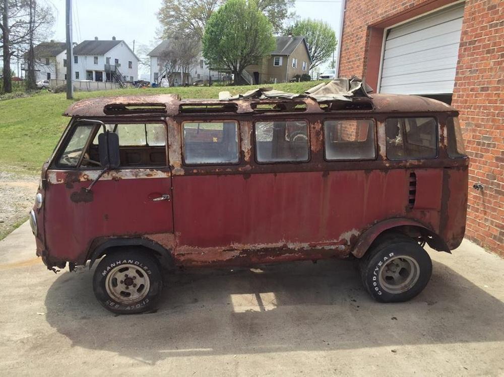 Rusty Volkswagen Bus 1963 for sale (4)
