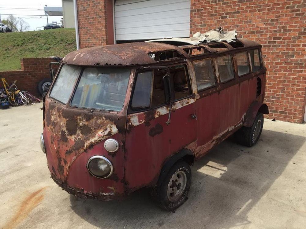 Rusty Volkswagen Bus 1963 for sale (5)