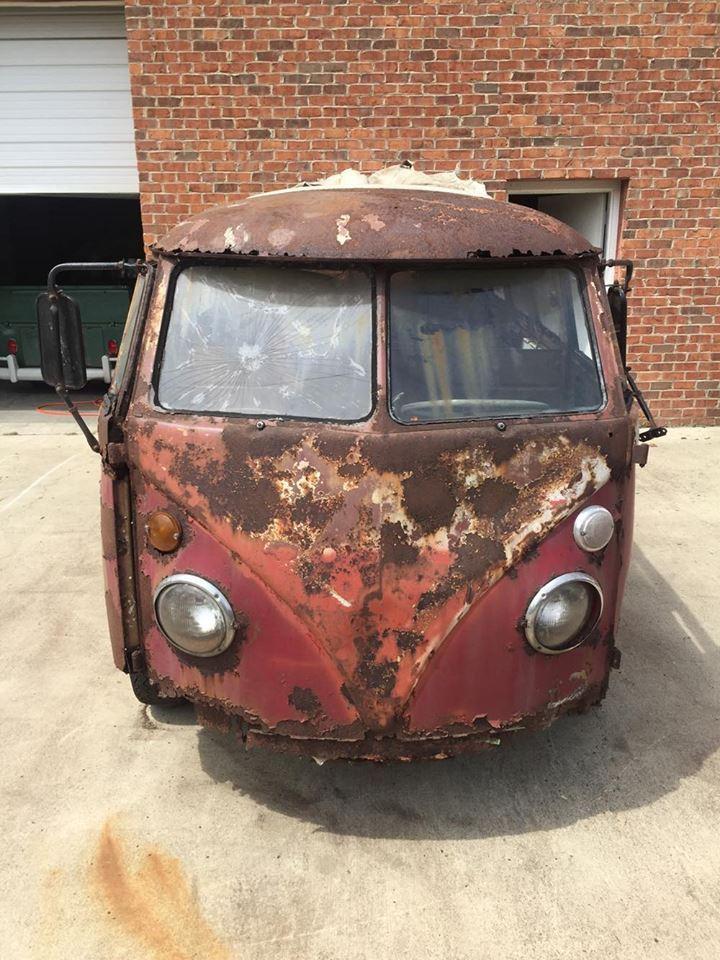 Rusty Volkswagen Bus 1963 for sale (6)