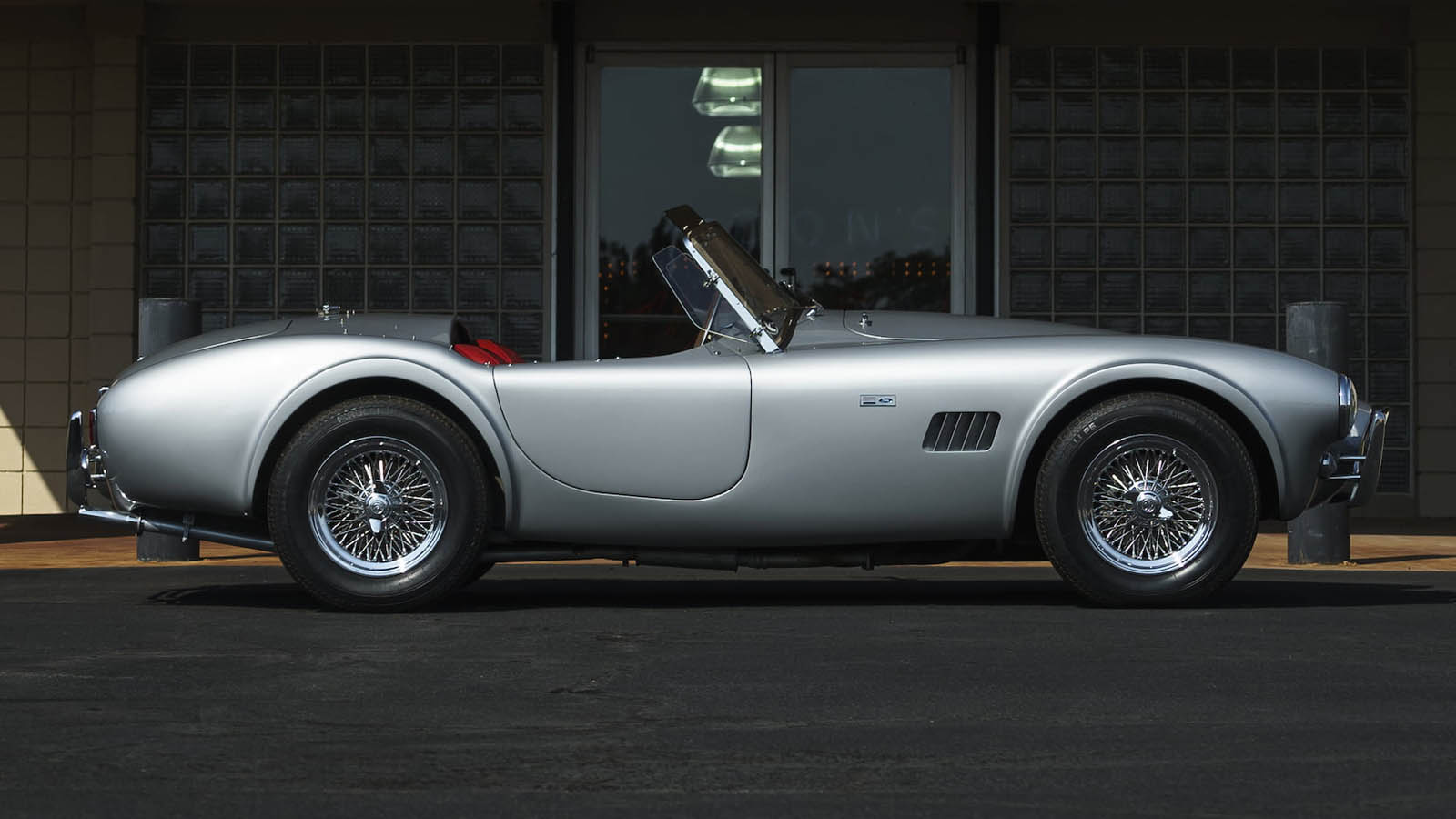 Shelby_Cobra_289_Automatic_07
