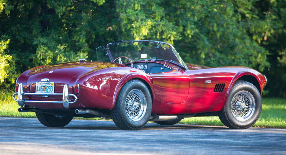 Shelby-Cobra-Roadster-3