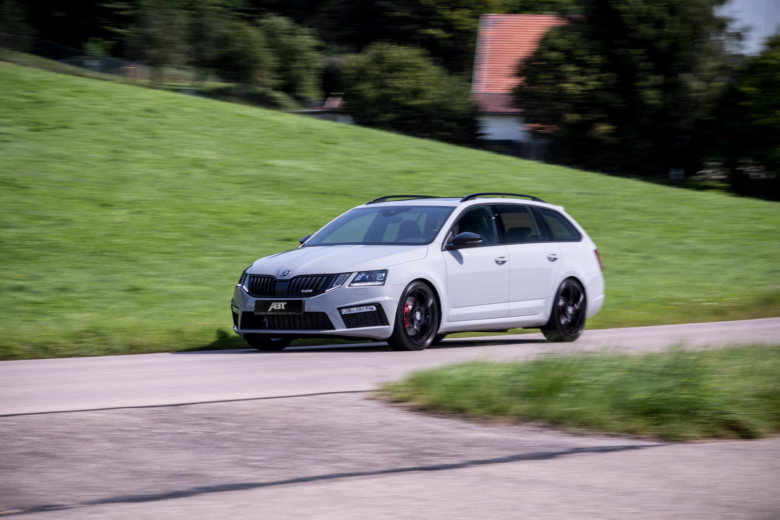 Skoda_Octavia_RS_by_ABT_03