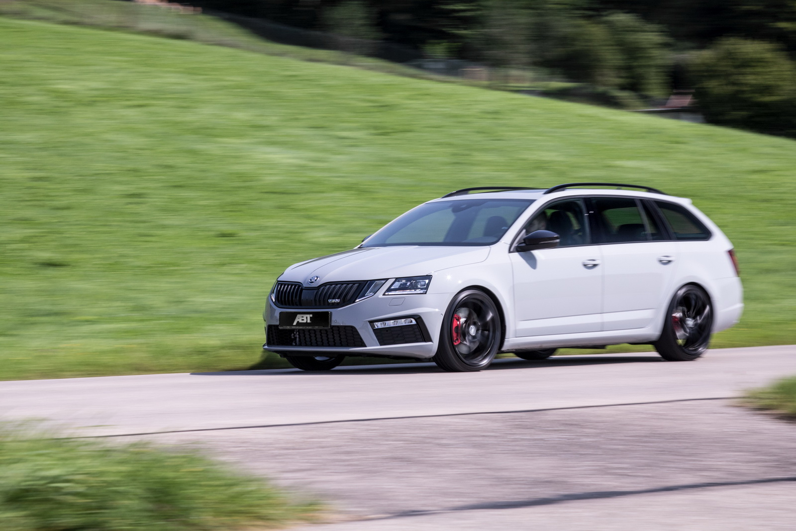Skoda_Octavia_RS_by_ABT_04