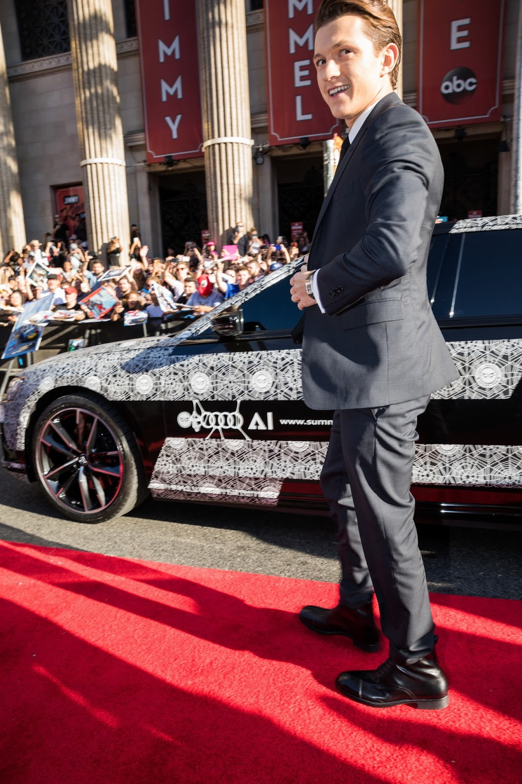 Wednesday night the new Audi A8 could be seen in Los Angeles alongside many Hollywood stars at the world premiere of 'Spider-Man: Homecoming.' Tom Holland, who stars as Peter Parker / Spider-Man, was chauffeured down the red carpet at the TCL Chinese Theatre. Meanwhile, Robert Downey Jr. and Jon Favreau arrived together in a black Audi R8 Spyder.