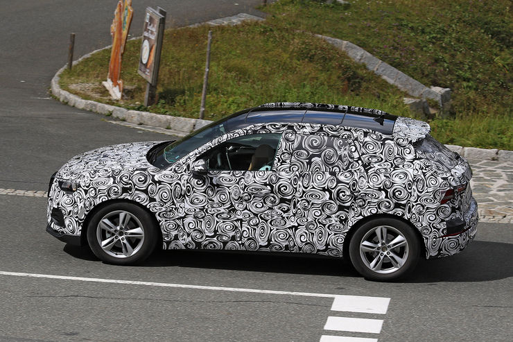 Spy_Photos_2018_Audi_Q3_02