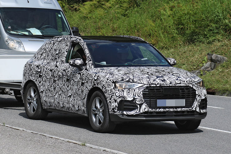 Spy_Photos_2018_Audi_Q3_06