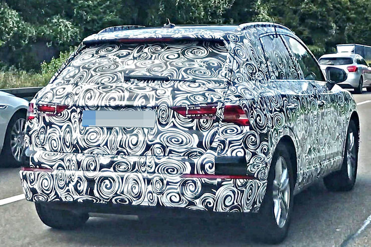 Spy_Photos_2018_Audi_Q3_07