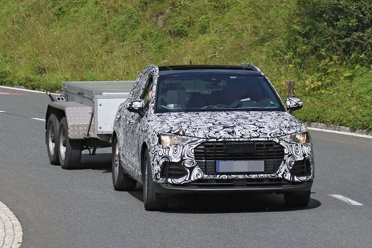 Spy_Photos_2018_Audi_Q3_13
