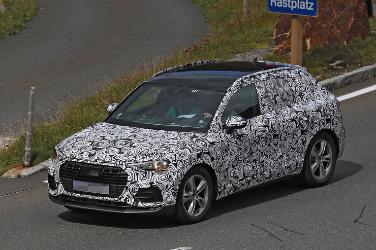 Spy_Photos_2018_Audi_Q3_15