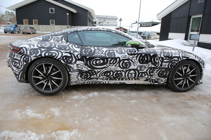 Spy_Photos_Aston_Martin_DB11_S_V8_06