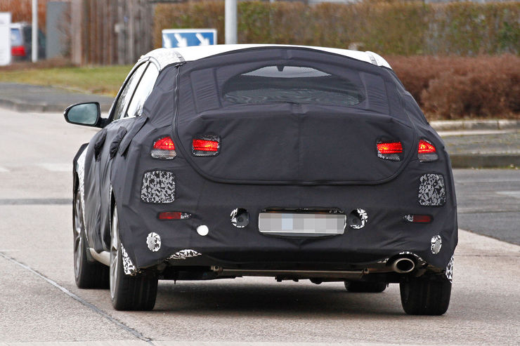 Spy_Photos_Hyundai_i30_Fastback_04