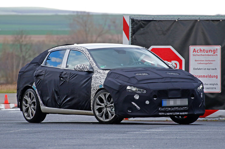 Spy_Photos_Hyundai_i30_Fastback_05