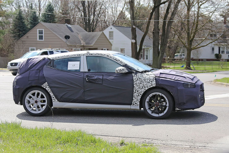 Spy_Photos_Hyundai_Veloster_04