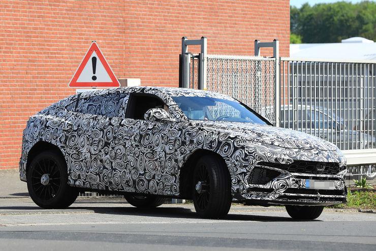 Spy_Photos_Lamborghini_Urus_17