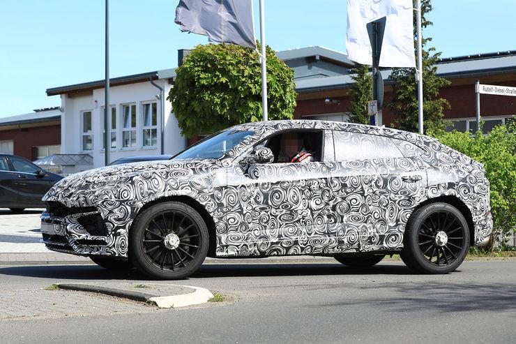 Spy_Photos_Lamborghini_Urus_23