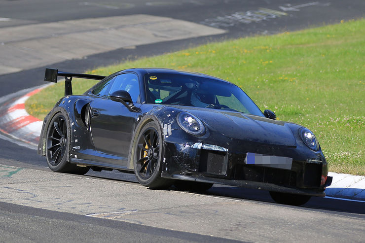 Porsche_911_GT2_RS_14