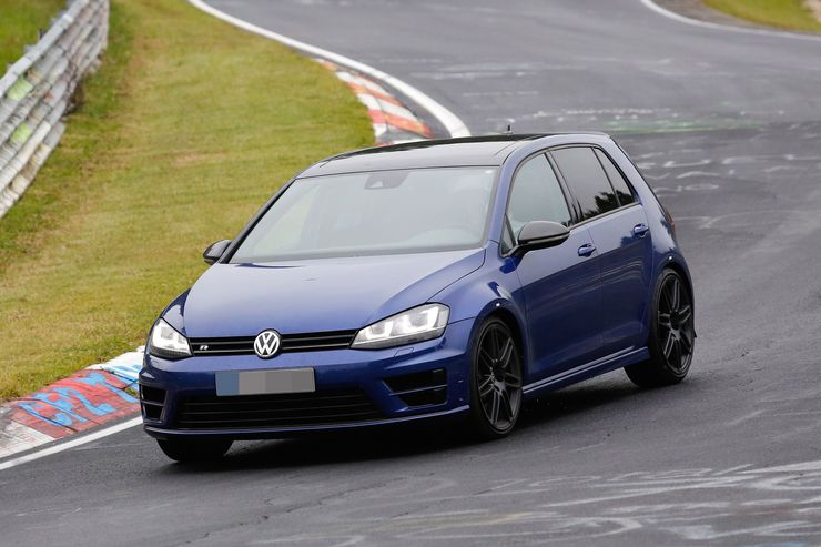 Spy_Photos_Volkswagen_Golf_R420_0000