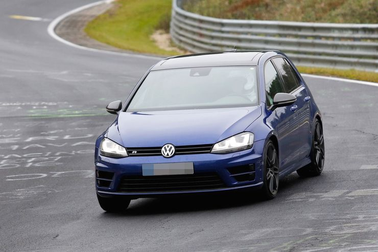 Spy_Photos_Volkswagen_Golf_R420_0001
