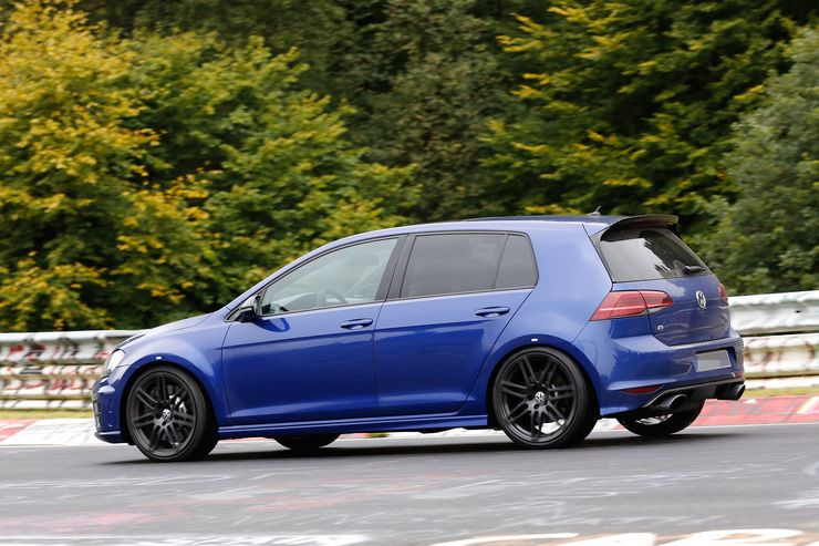 Spy_Photos_Volkswagen_Golf_R420_0002