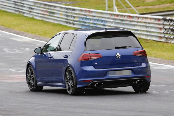 Spy_Photos_Volkswagen_Golf_R420_0003