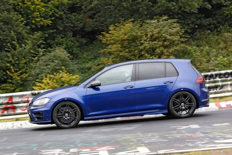 Spy_Photos_Volkswagen_Golf_R420_0006