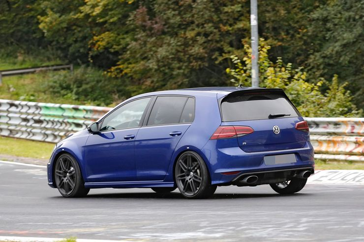 Spy_Photos_Volkswagen_Golf_R420_0007