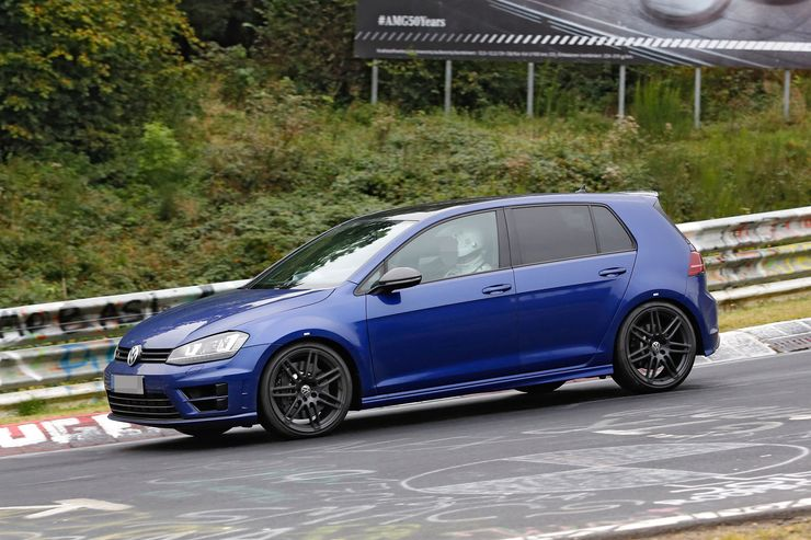 Spy_Photos_Volkswagen_Golf_R420_0008