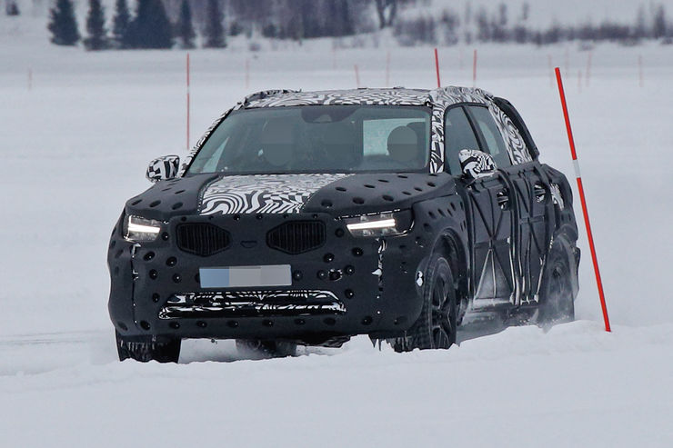 Spy_Photos_Volvo_XC40_02