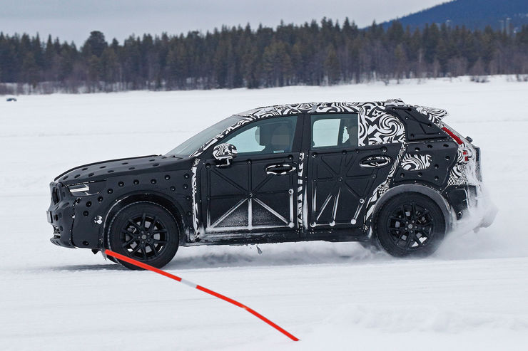 Spy_Photos_Volvo_XC40_06