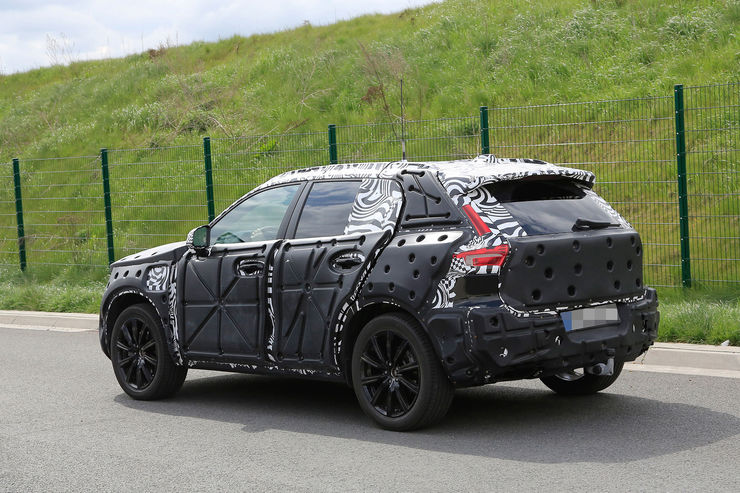 Spy_Photos_Volvo_XC40_03