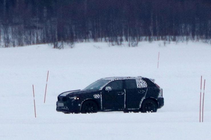 Spy_Photos_Volvo_XC40_03