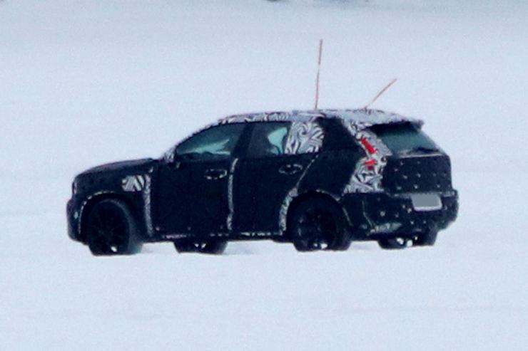 Spy_Photos_Volvo_XC40_09