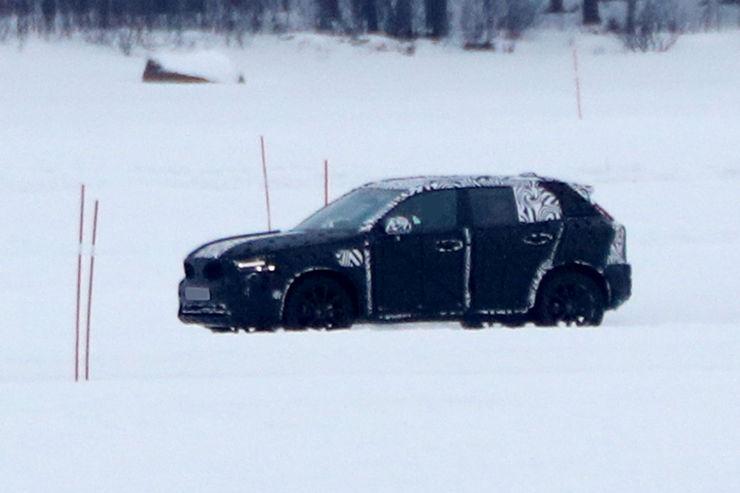 Spy_Photos_Volvo_XC40_10