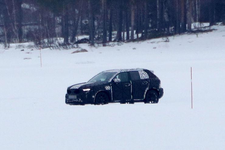 Spy_Photos_Volvo_XC40_13