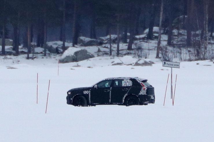 Spy_Photos_Volvo_XC40_15