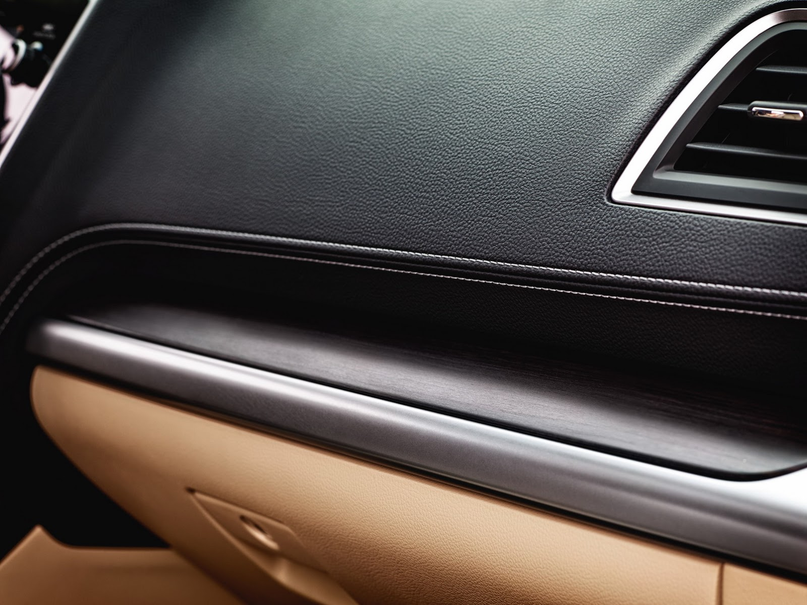 Subaru Legacy 2018 (10)