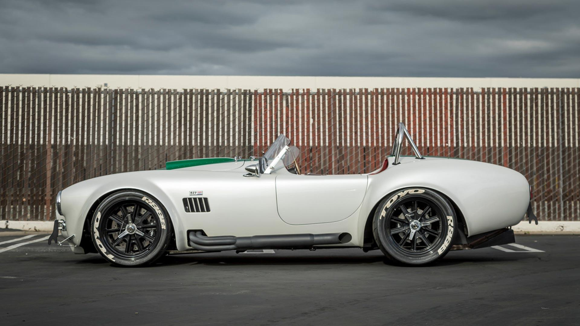 Superformance Cobra (3)