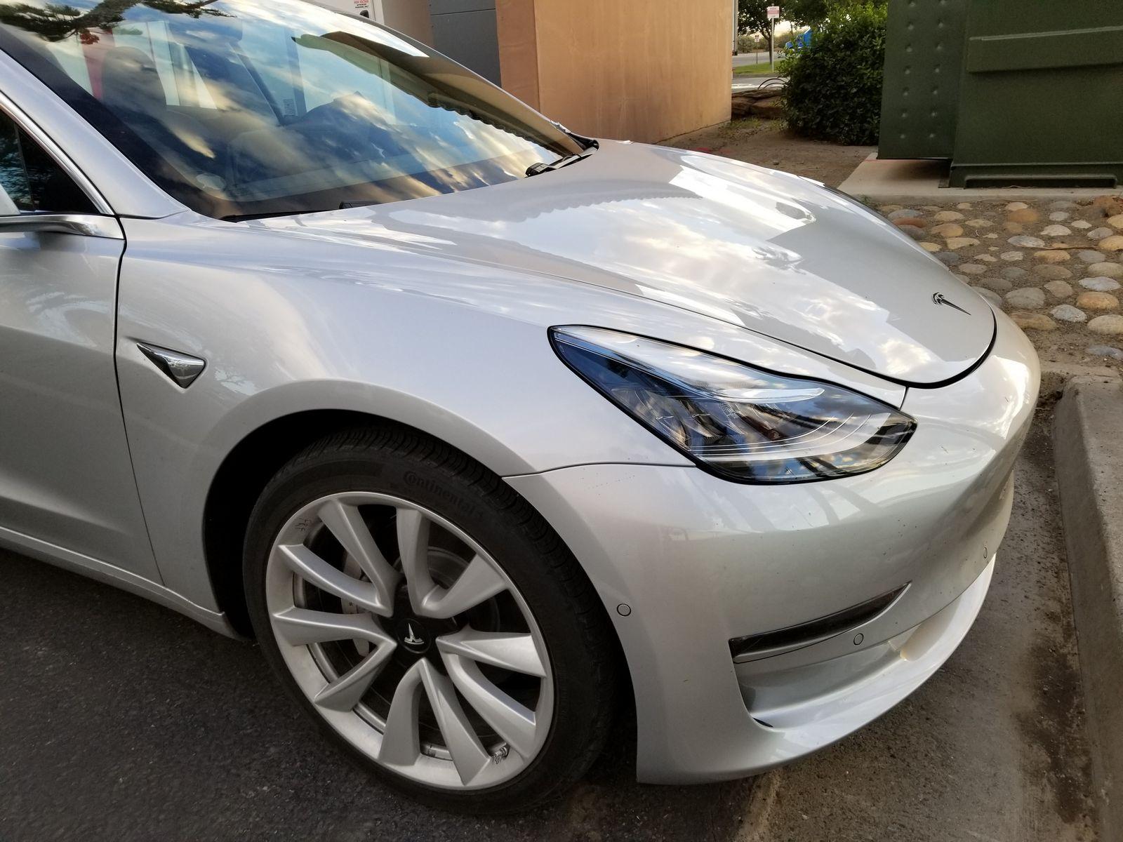 Tesla_Model_3_12