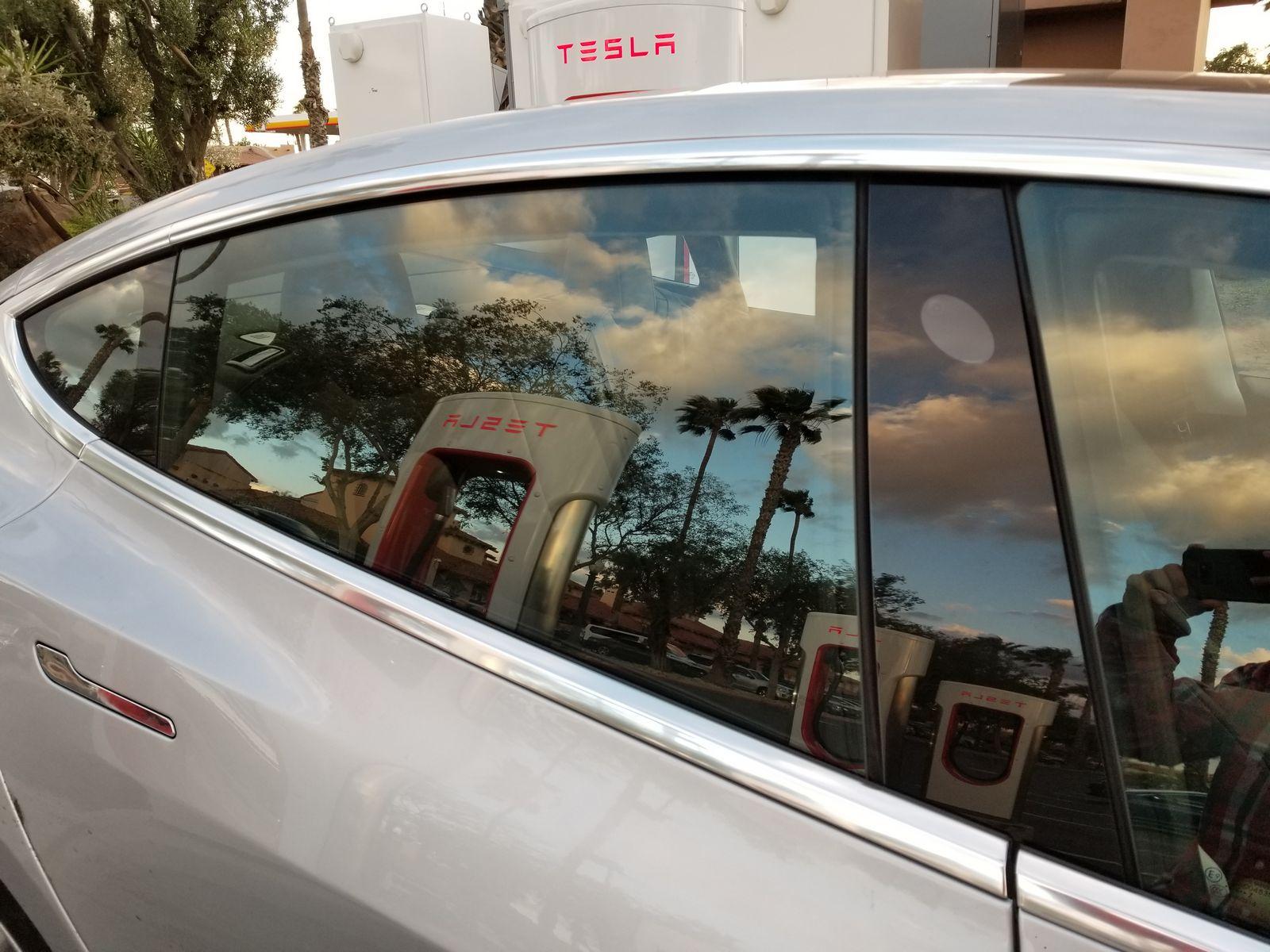 Tesla_Model_3_27