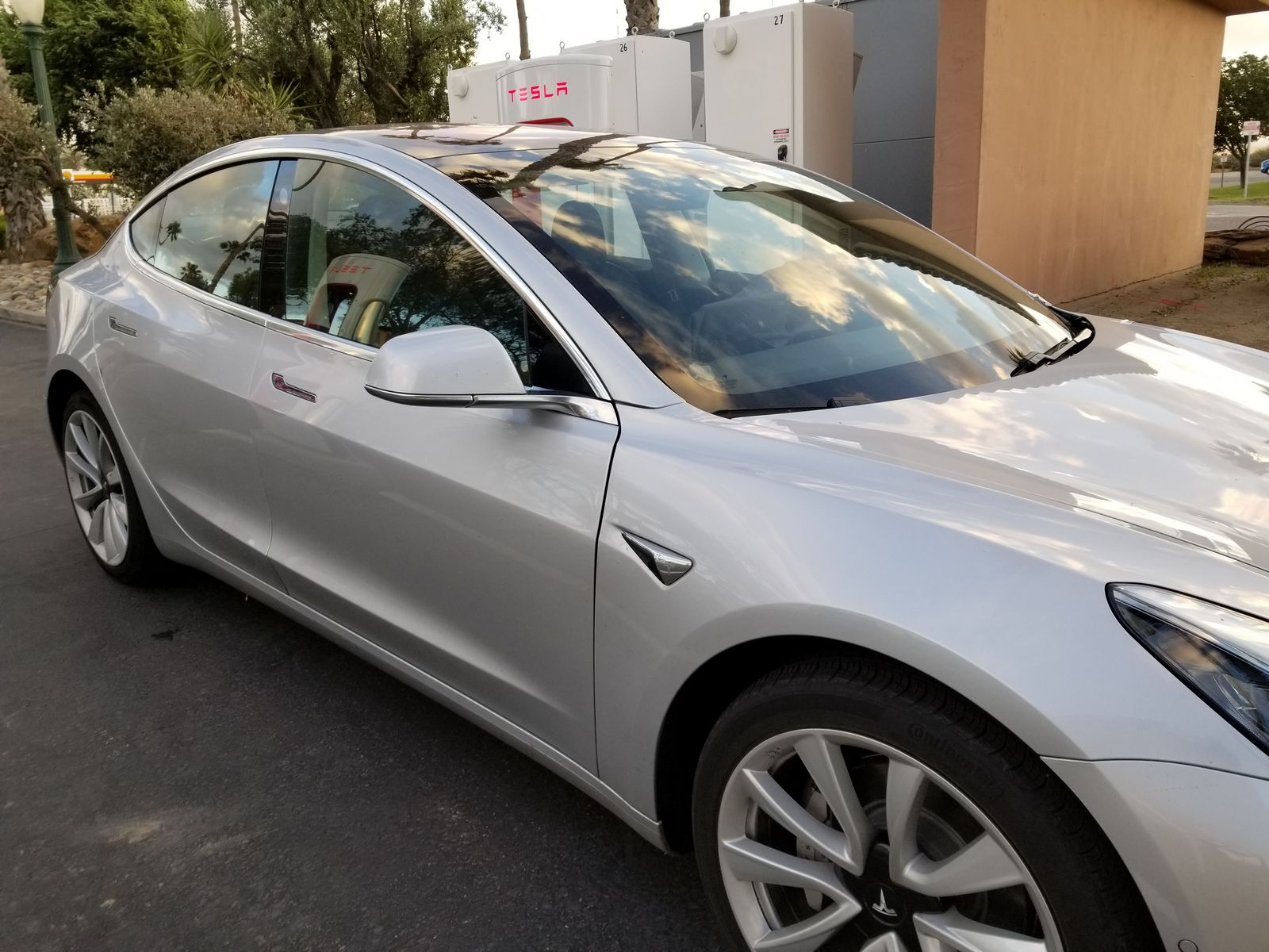 Tesla_Model_3_28