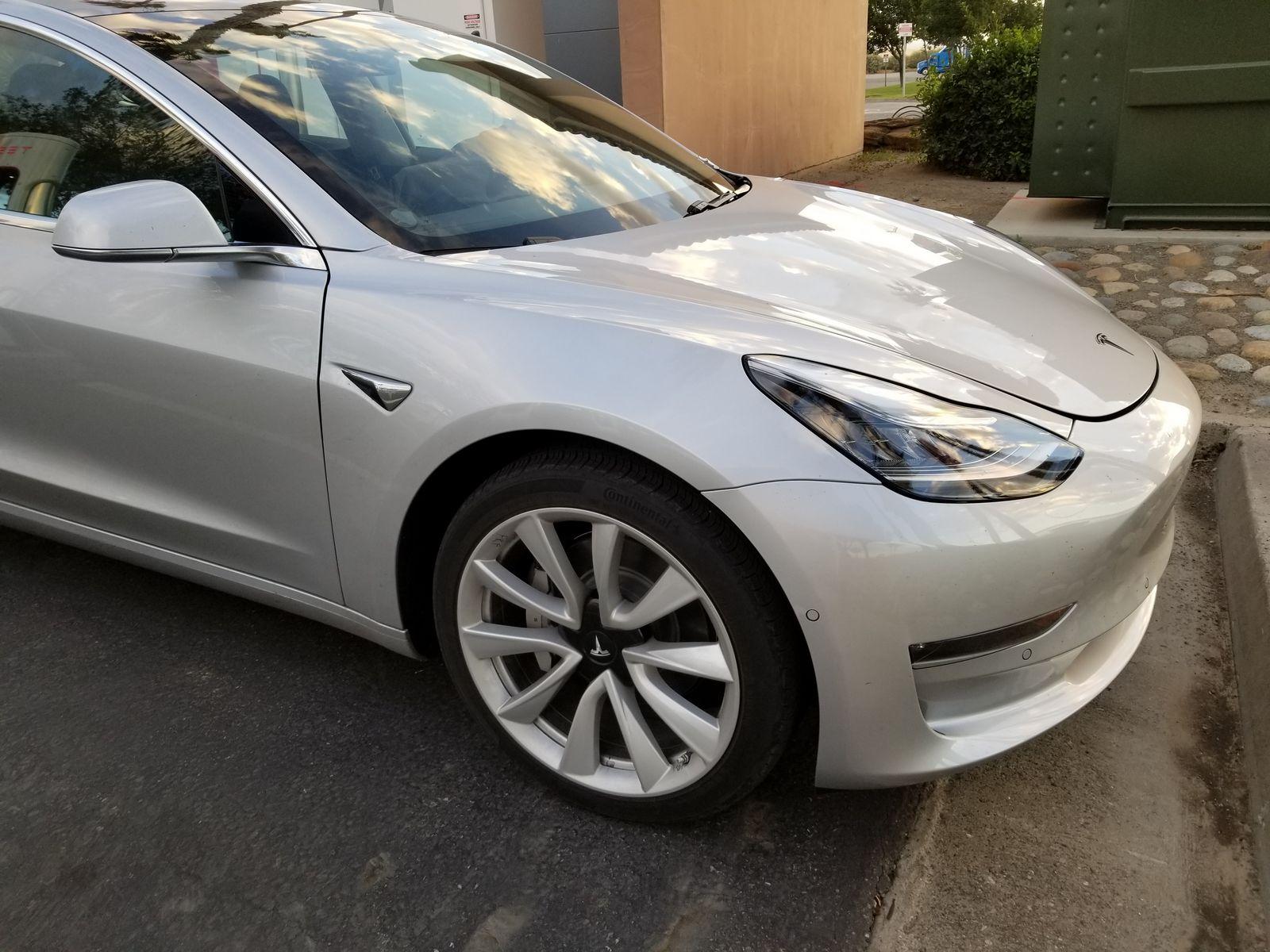 Tesla_Model_3_29