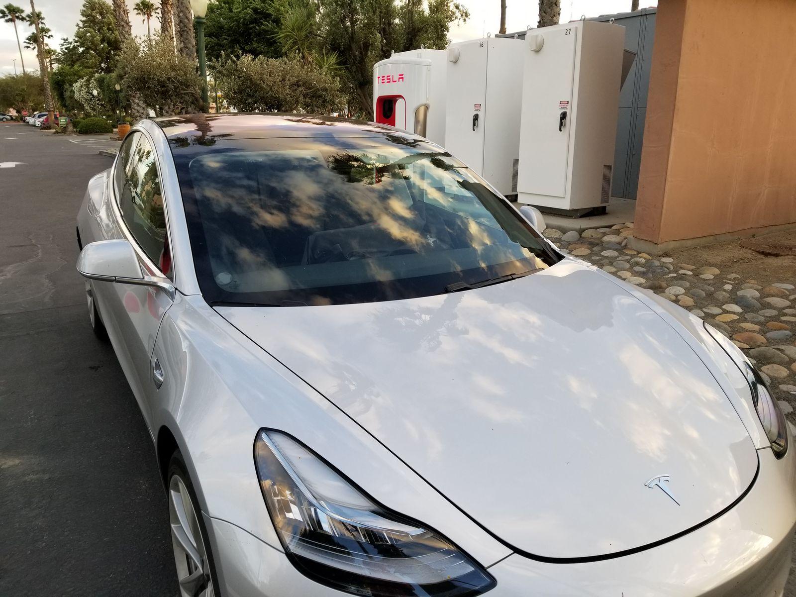 Tesla_Model_3_30