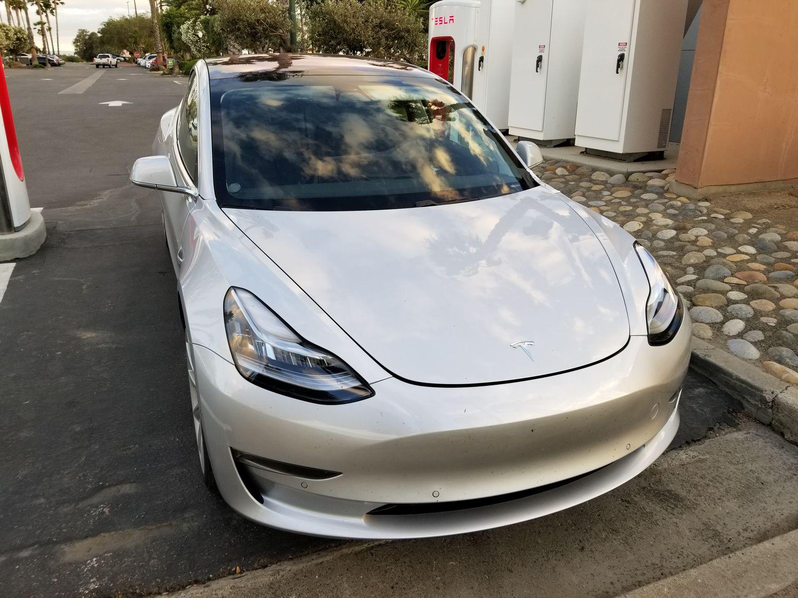 Tesla_Model_3_32