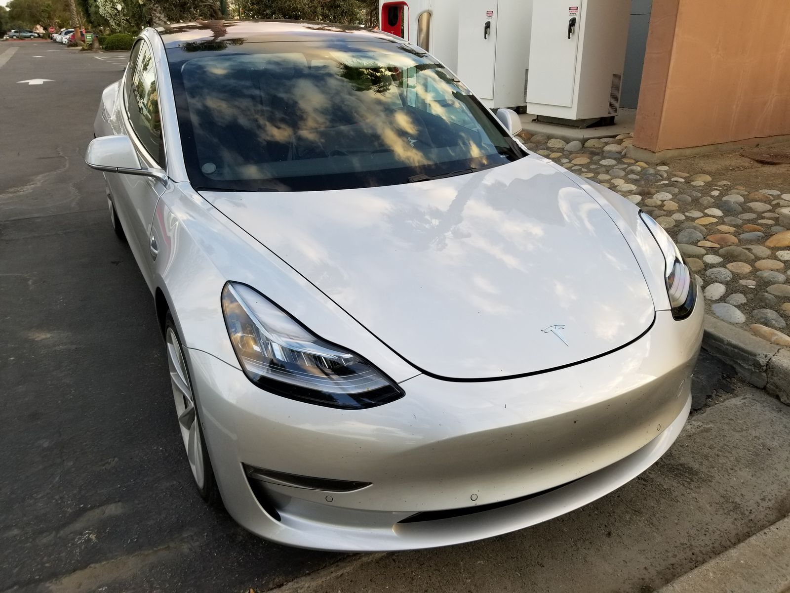 Tesla_Model_3_33