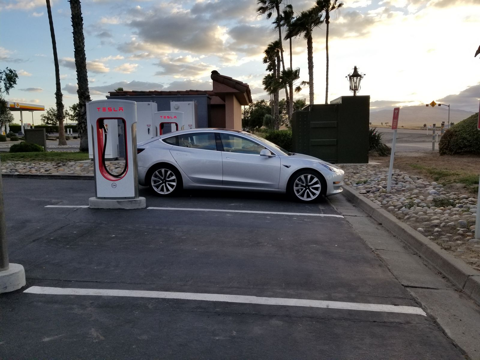 Tesla_Model_3_35