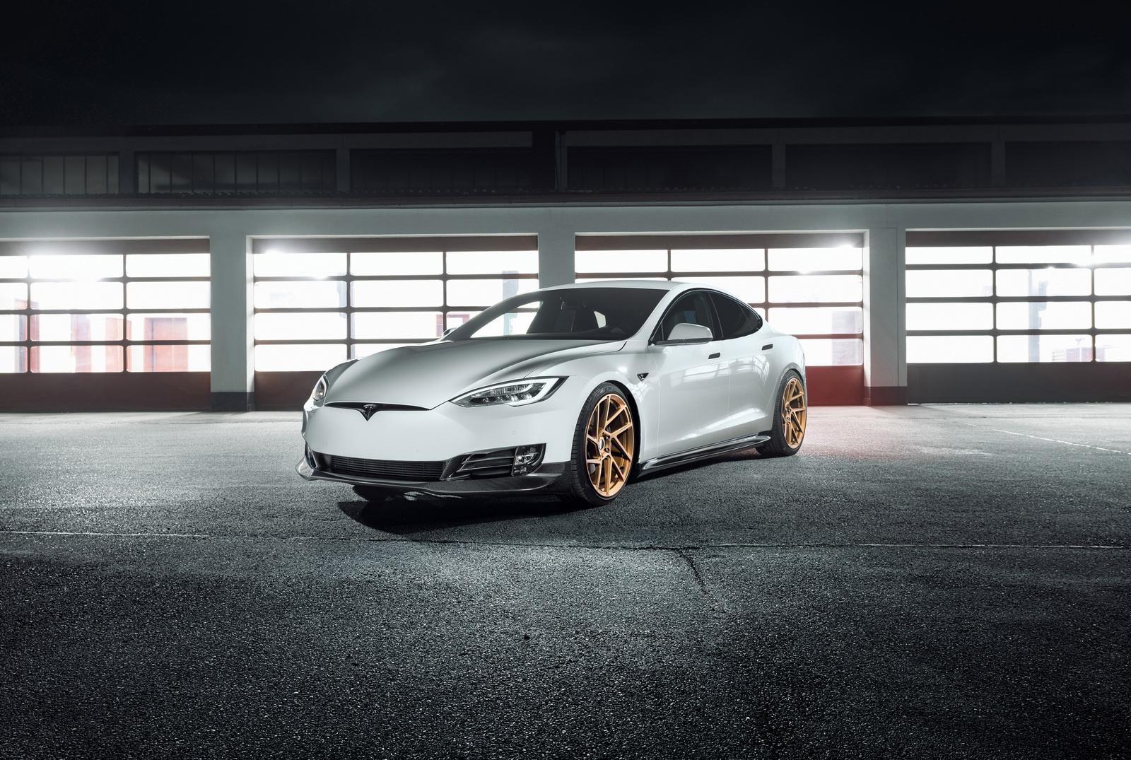 Tesla_Model_S_by_Novitec_0000
