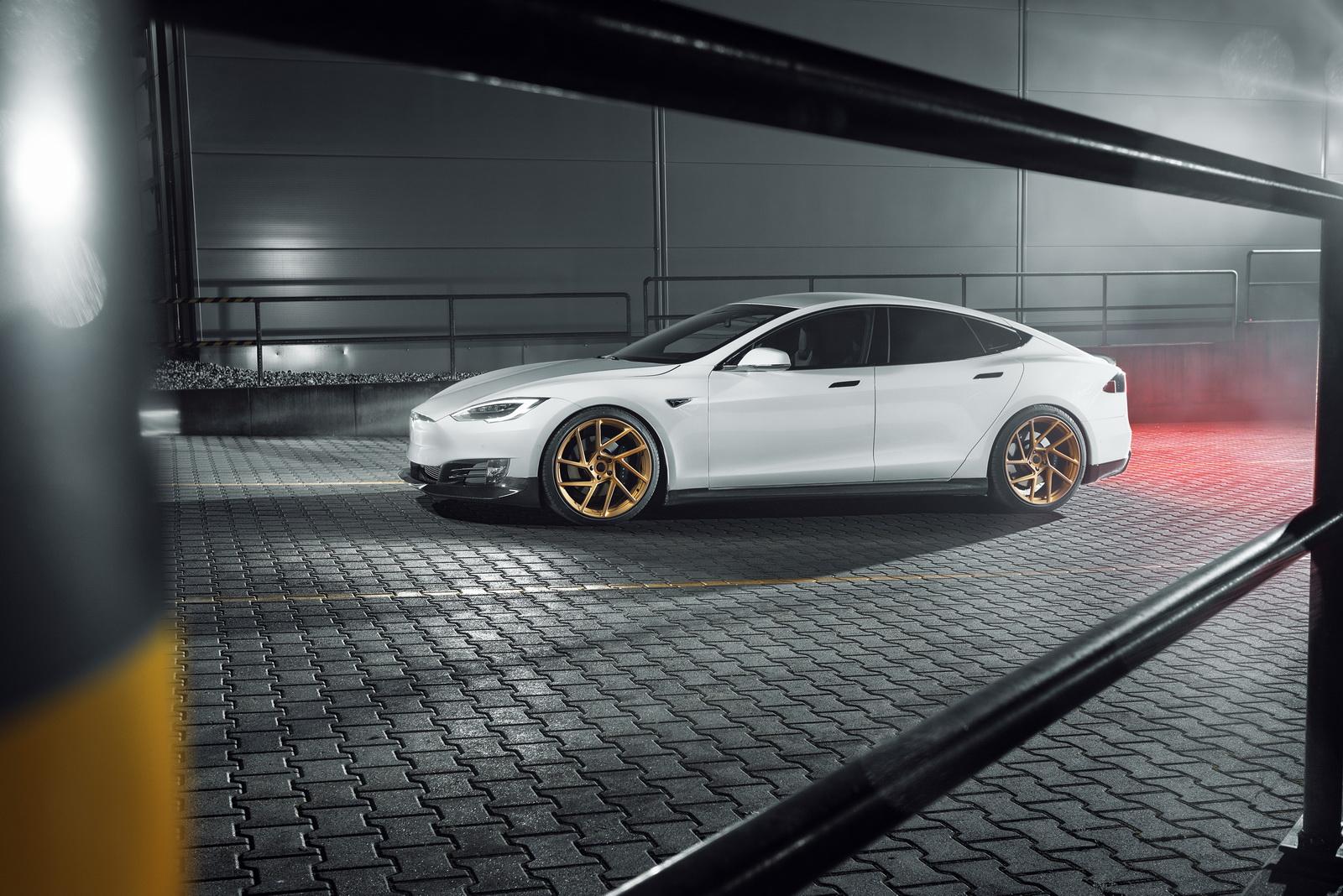Tesla_Model_S_by_Novitec_0004