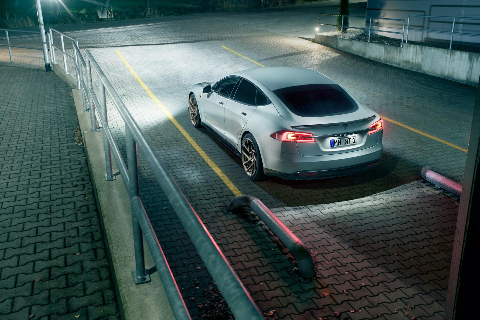 Tesla_Model_S_by_Novitec_0007