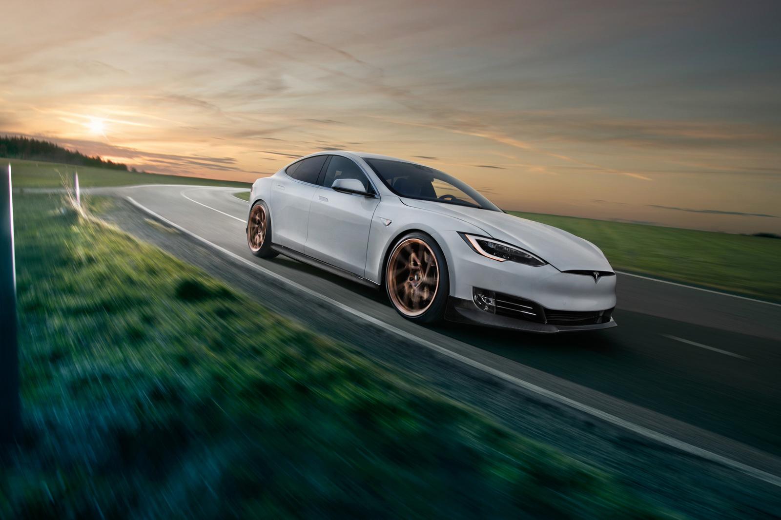 Tesla_Model_S_by_Novitec_0011